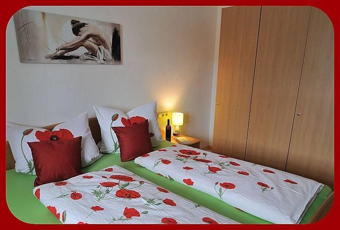 Doppelschlafzimmer mit Kleiderschrank